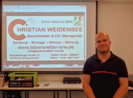 Herr Weidensee informiert über Brandmelder für Hörgeschädigte_1